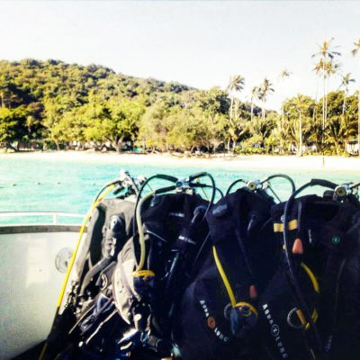 Buying or renting scuba dive equipment